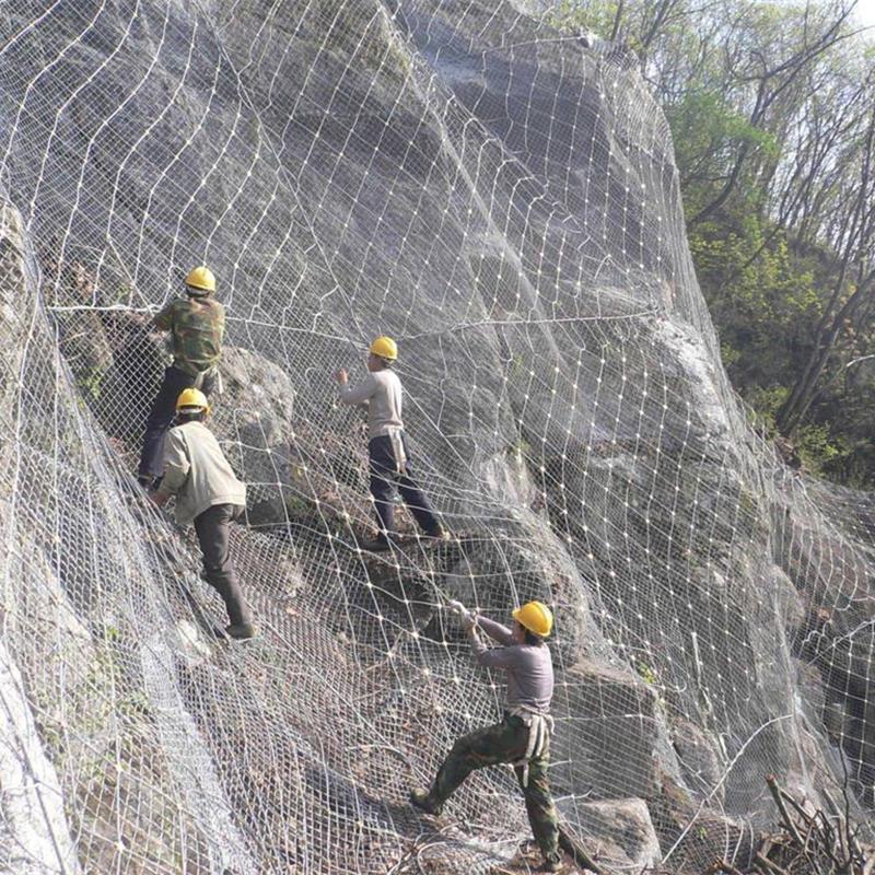 Slope stabilize mesh rockfall barrier